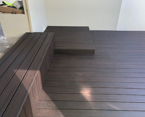 Timber outdoor entertaining area with built in seating in Cronulla